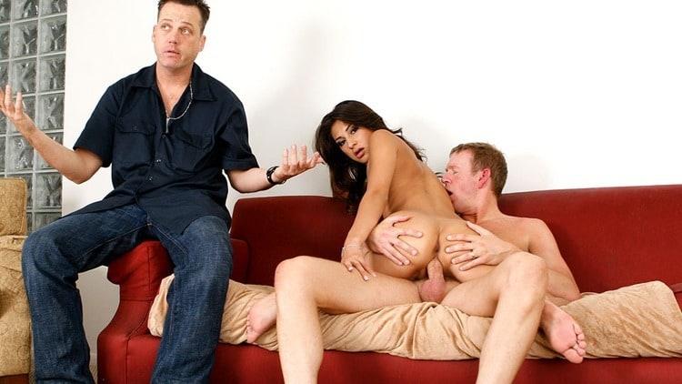 Смотреть порно жена застала с любовницей